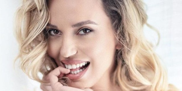 The well-known Albanian actress is surprised and openly admits it: I do not know