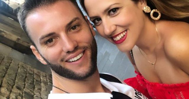 Pas lindjes së djalit, Eduarti surprizon Arbana Osmanin me dhuratën