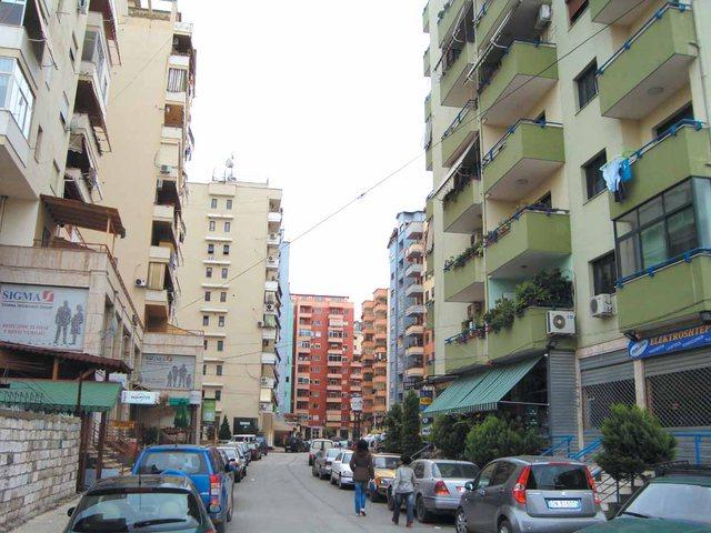 Shtyhet procesi për rivlerësimin e banesave, mungojnë aktet