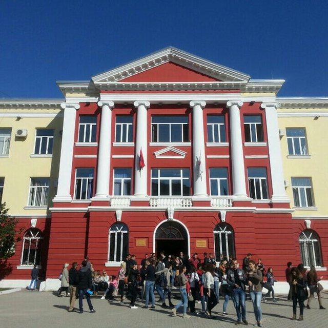 Plas keq sherri tek Fakulteti i Gjuhëve të Huaja, plagosen 2 persona