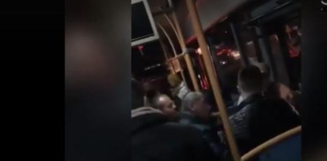 Plas sherri në autobusin e 'Tiranës së Re', nxirret
