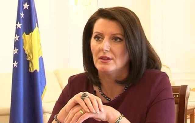 Na bëri të fërkojmë sytë/ Ish-presidentja shqiptare