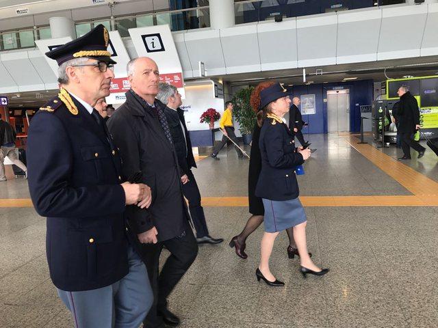 Kapen në aeroport 2 shqiptare në Itali, çfarë u gjeti