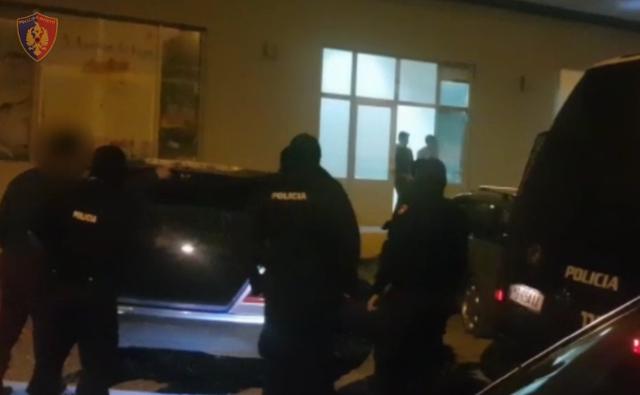 Shpërthim me eksploziv në dyqanin e biznesmenit në Lezhë