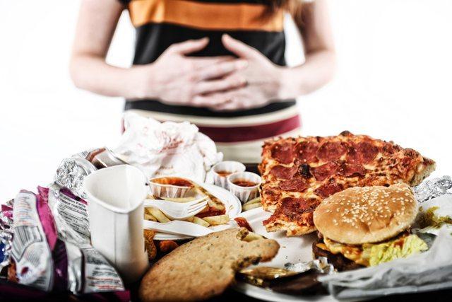 6 shenjat e para që ju jep trupi kur vuan nga kequshqyerja, ja si t'i
