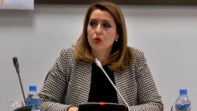 Ministrja Manastirliu i jep paralajmërimin e rëndë farmacive