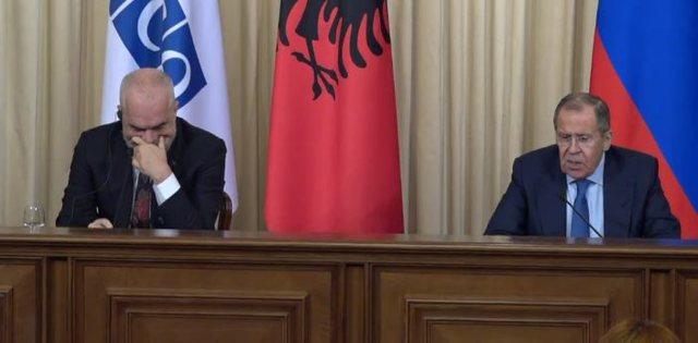Lapsusi i kryeministrit në Moskë, PD nxjerr videon: Rama nuk kursen