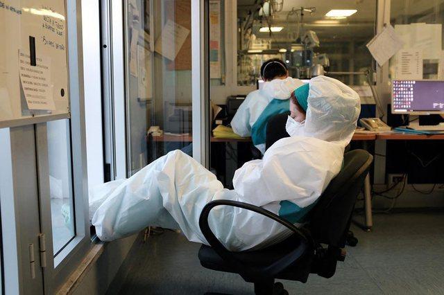 Zbardhen dy faktorët pse u infektua një numër i madh mjekësh
