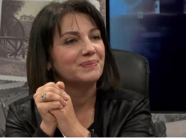 Ish-deputetja e PS reagon pas dorëheqjes së të bijës nga
