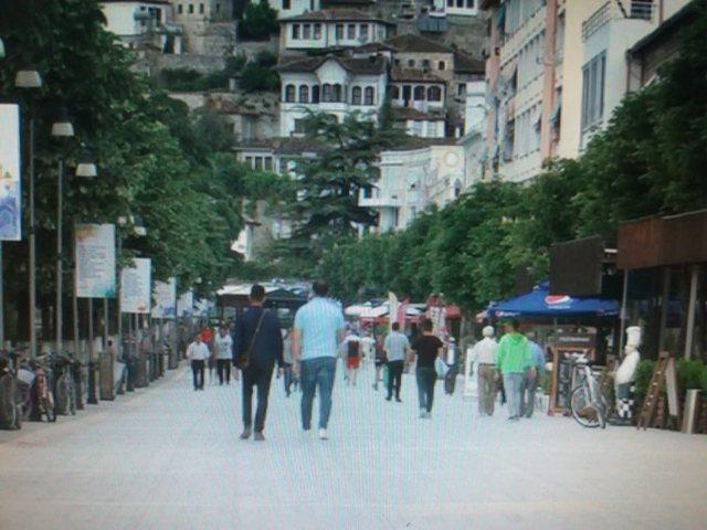 Thyhet urdhri i Ramës/ Ky qytet i vendit i bashkohet thirrjes për