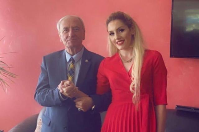 Martohet Kryemyftiu i Maqedonisë, merr gruan 50 vite më të re