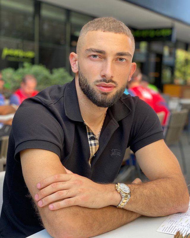 Goditi me grusht në kokë kundërshtarin, federata kroate merr