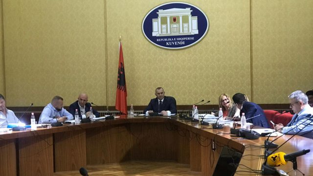 PS i rikthehet shkarkimit të Metës, Komisioni Hetimor merr në