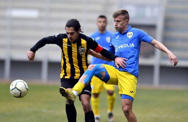 Ish-futbollisti i Shqipërisë rezulton pozitiv me COVID-19, merret