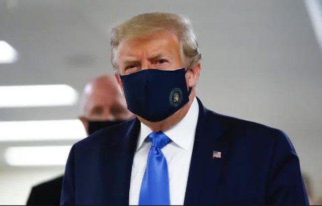 Trump doli për herë të parë në publik me maskë,