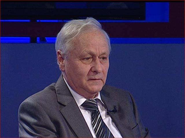 Hyrja në zgjedhje pa koalicione, ish kreu i KQZ tregon kush humb dhe kush