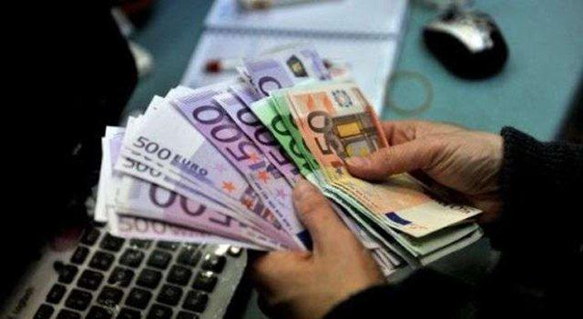 Shihni me sa këmbehet euro, dollari dhe paundi britanik sot në
