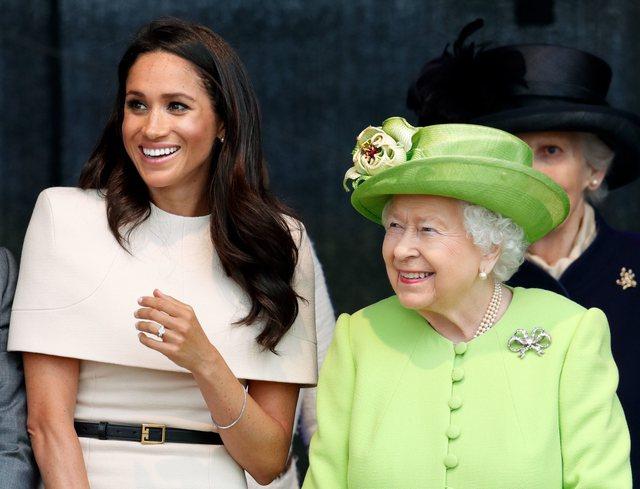 Meghan Markle feston ditëlindjen, Mbretëresha Elizabeth i surprizon