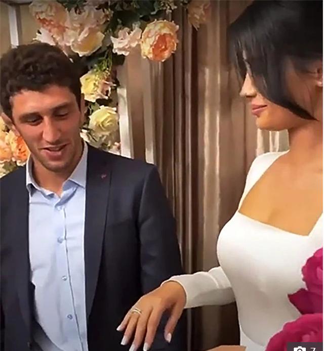 SKANDAL/ Zbulon papritur se e fejuara e tij ka qenë eskortë, kampioni