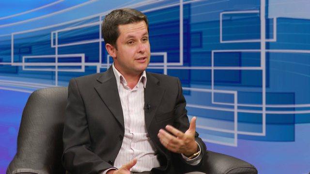 Covid-19 dhe frika e hapjes së shkollave, epidemiologu Ilir Alimehmeti jep