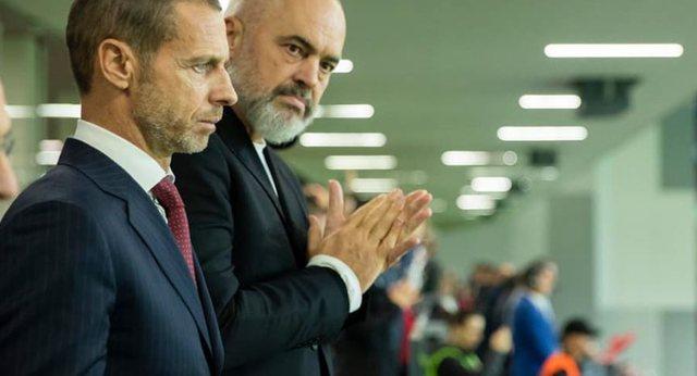 """Vendimi i shumëpritur, """"topi"""" i kalon kryeministrit Edi Rama"""