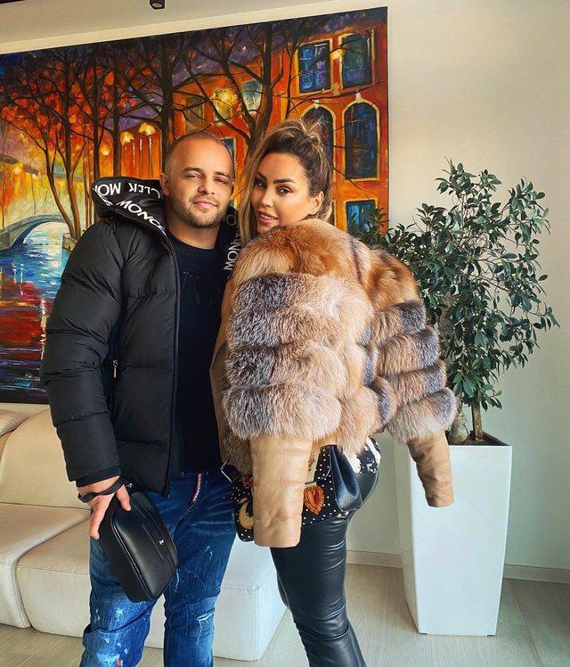 Ish-gruaja e tij e mallkoi, Fjolla Morina nuk ndalet dhe publikon fotot krah