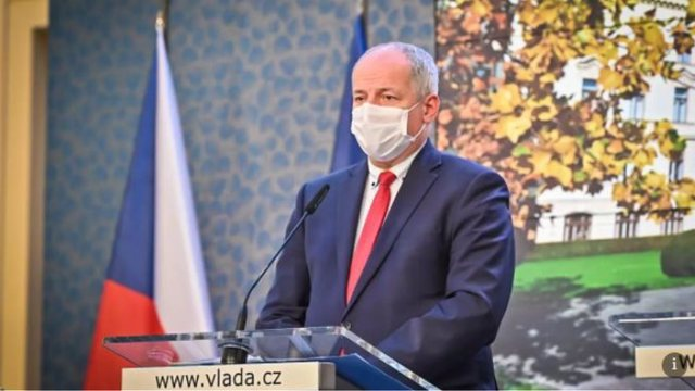 Violated the measures he took for COVID-19, the Minister of Health of this EU