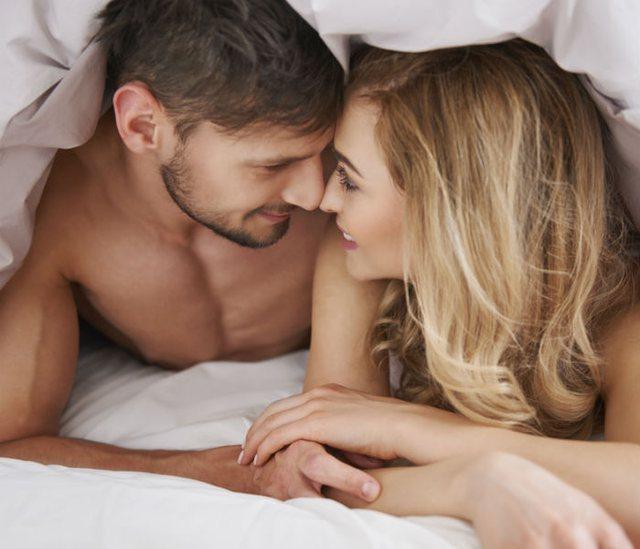 Zbuloni çfarë i ndodh trurit kur kryeni marrëdhënie