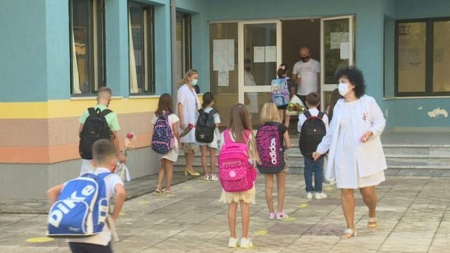 Rritja e pagës së mësuesve, shoqatat zbulojnë hilen me