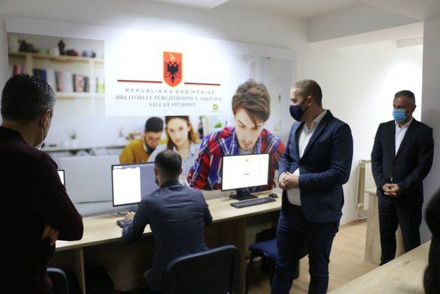 Arkivi shqiptar thyen kufijtë shtetërorë, hap sallë studimi