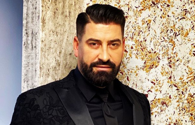 Këngëtari i njohur shqiptar në zi, humbet njeriun e