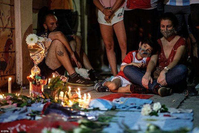 Lamtumira e legjendës/ Del autopsia e gjeniut të futbollit: Maradona