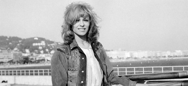 Cinematography in black / Famous French actress dies, amid great pain her son