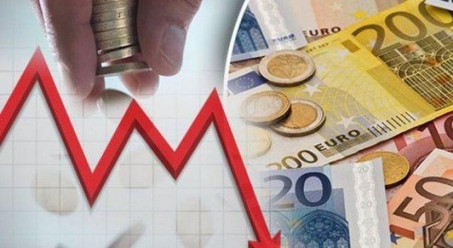 Kursi zyrtar i këmbimit valutor, zbuloni me sa lekë blihet euro,