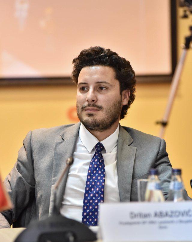 Zv.kryeministri Dritan Abazoviç i uroi Kosovës pavarësinë,