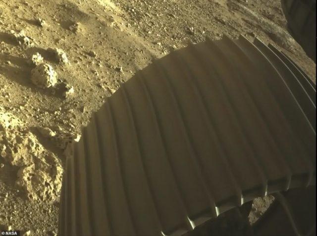 Sonda prej 2.2. miliardë dollarësh preku sipërfaqen e planetit