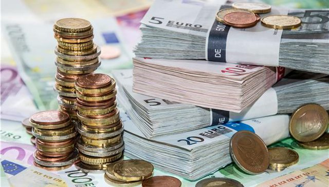Euro and pounds in discount! Learn how the exchange rate is for today