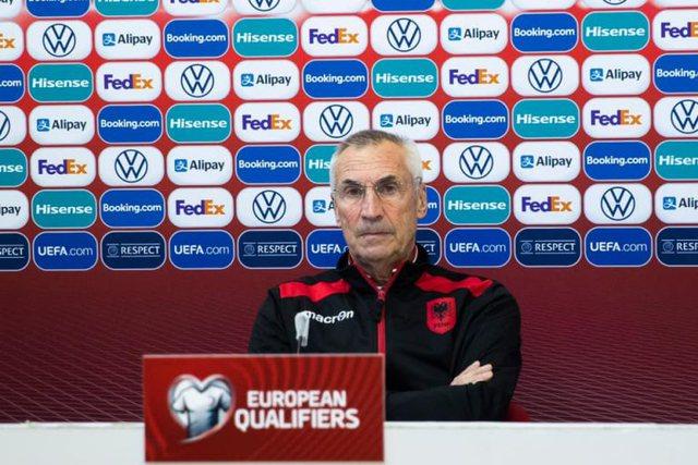 Humbja me Anglinë, trajneri Reja kapet me gazetarët dhe