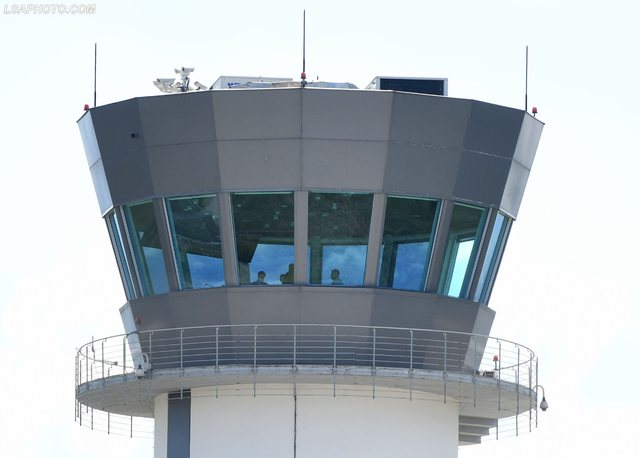 Ndalimi i 3 kontrollorëve ajrorë pas bllokimit të  aeroportit,