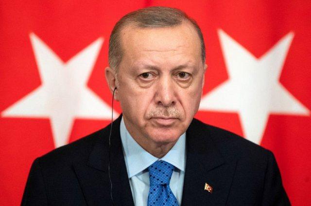 """E quajti diktator, presidenti Erdogan i tregon """"dhëmbët"""""""