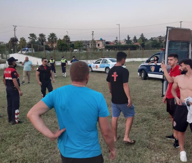 Plas keq sherri në kampionatin shqiptar, furgonat e policisë futen