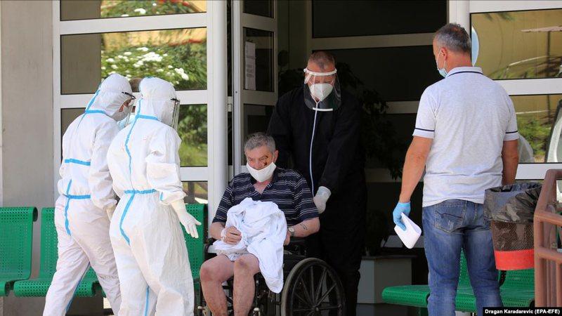 """""""Katastrofë shëndetësore publike"""", mbi 300 mjekë"""