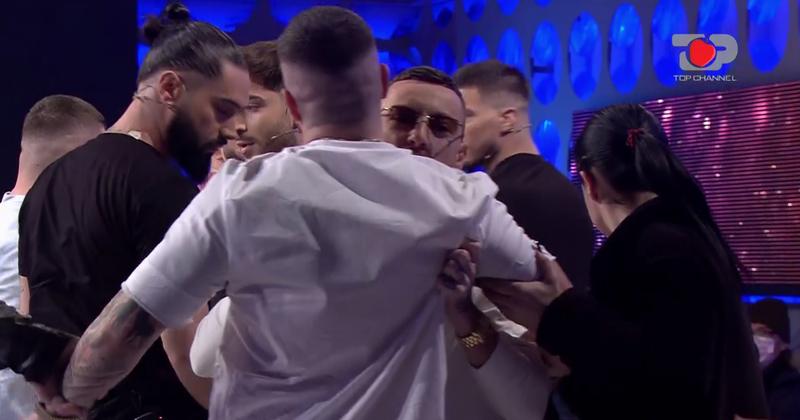 """Quarrel between the competitors of """"PërPuthen"""" / The broadcast"""