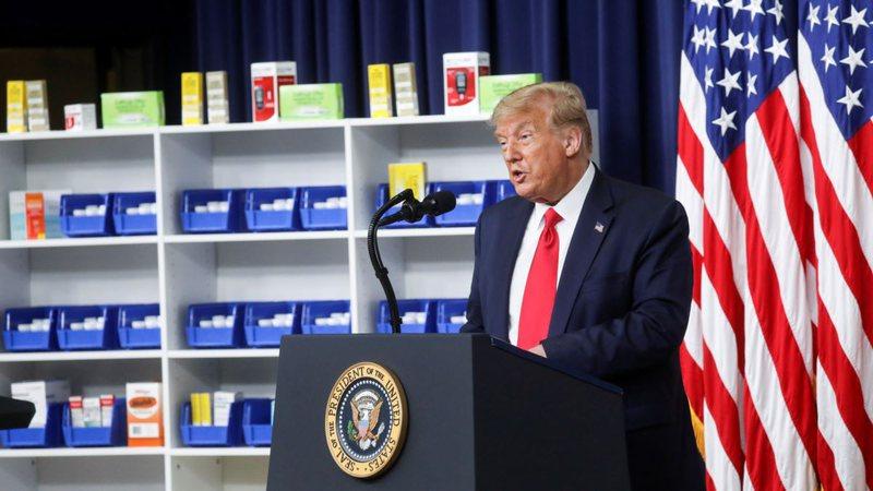 Presidenti Donald Trump urdhër ekzekutiv për blerjen e ilaçeve
