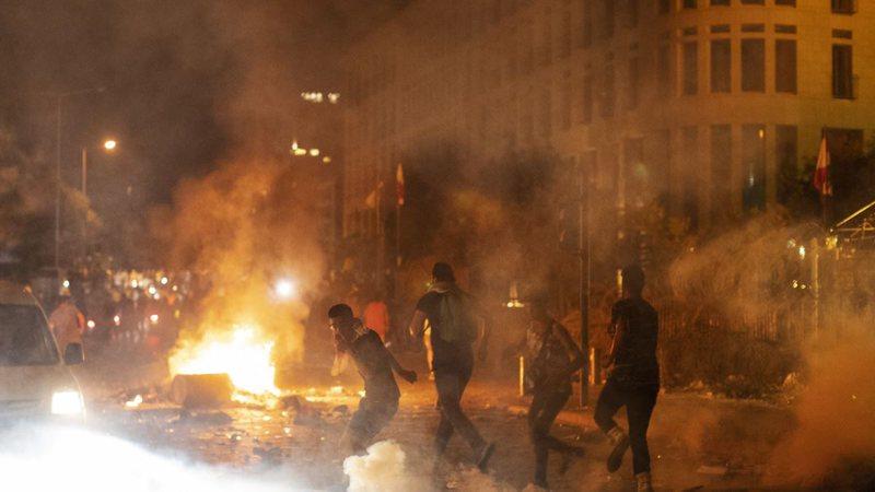 Pas shpërthimit në Bejrut/ Policia përplaset me protestuesit