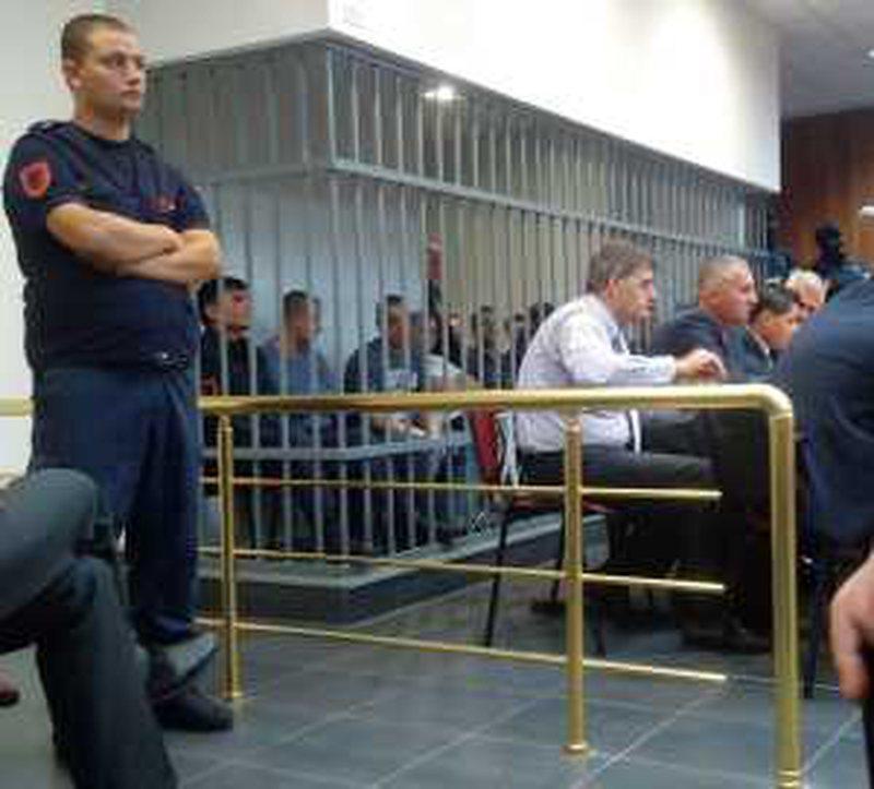 Një tjetër anëtar i bandës së Durrësit u la i