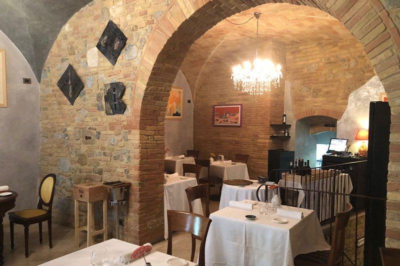Pesë kuzhinierë shqiptarë bëhen bashkë në Itali,