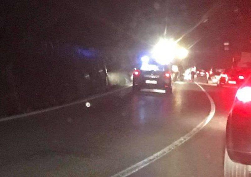 Dy makina bëhen copë në hyrje të Pogradecit, raportohen 3