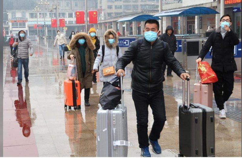 Virusi vdekjeprurës kinez po përhapet me shpejtësi / Ja