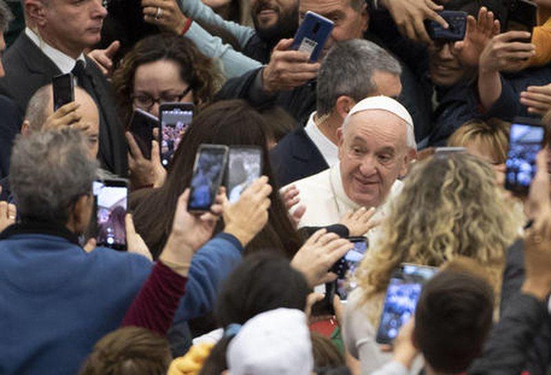 """""""Querida Amazonia""""/Papa nuk ndryshon rregullat e Kishës mbi"""